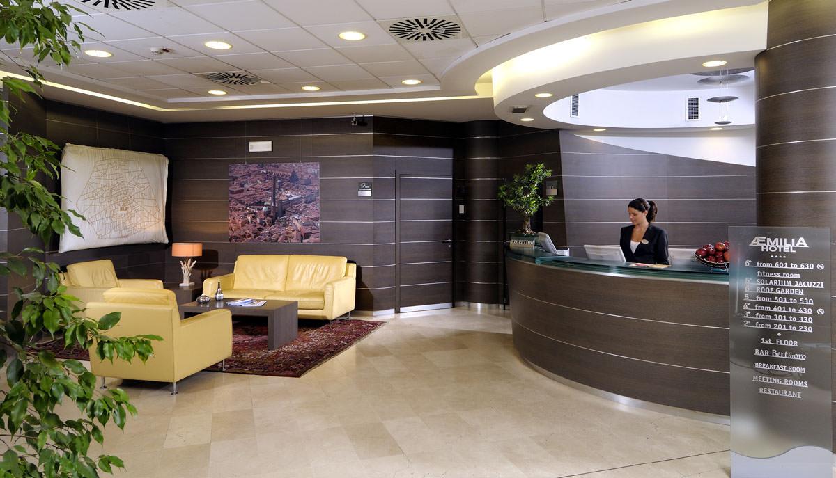 Hotel 4 stelle a bologna scopri le foto di aemilia hotel for Design hotel bologna