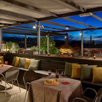 Aemilia-roof-garden-night.jpg